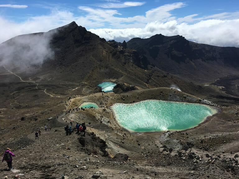 Les lacs émeraude de la randonnée de la Tongariro Alpine Crossing