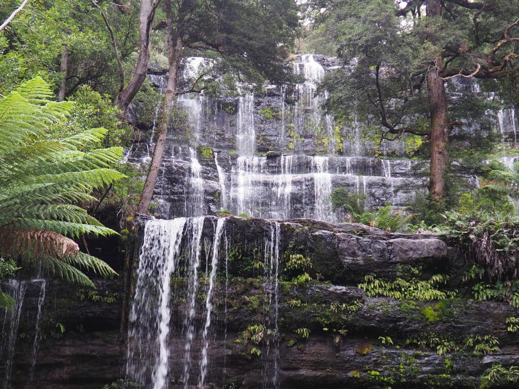La cascade de Russell dans le parc national de Mont Field